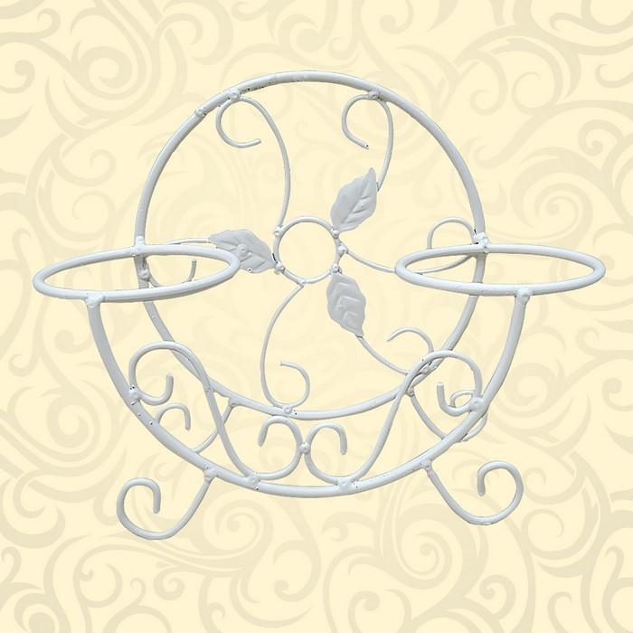 Белая подставка под цветы на подоконник