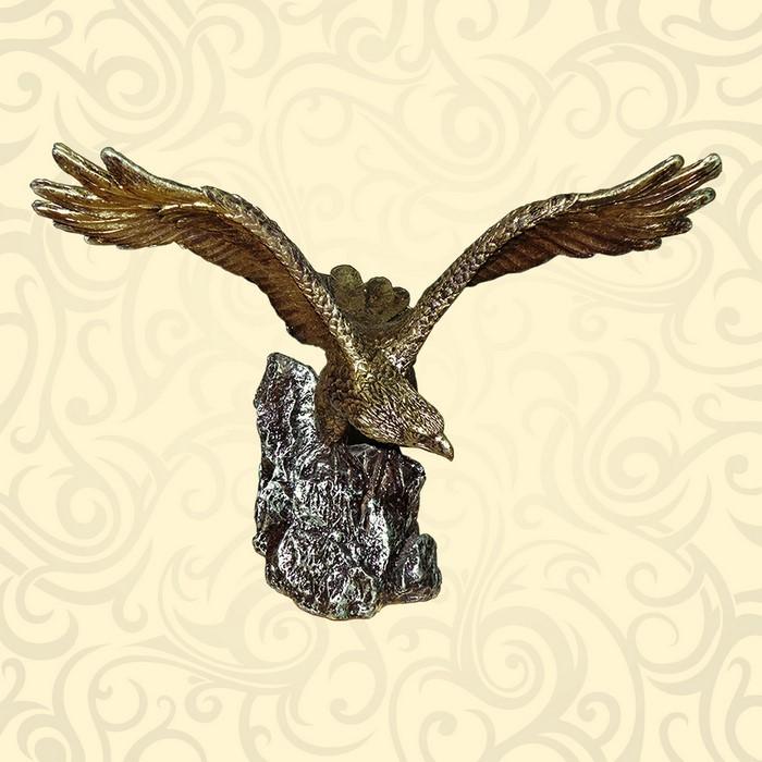Садовая фигура орла