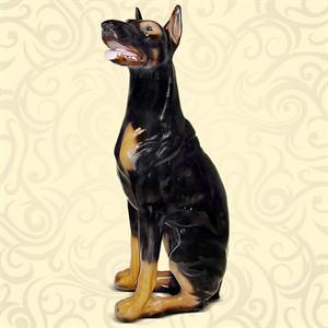 Фигура собаки для декора сада